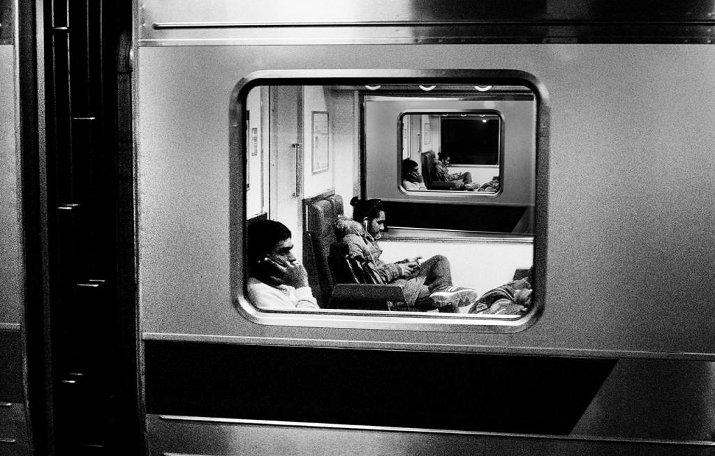00-fb-電車の窓にまたその電車が-IMG_1743-2-2