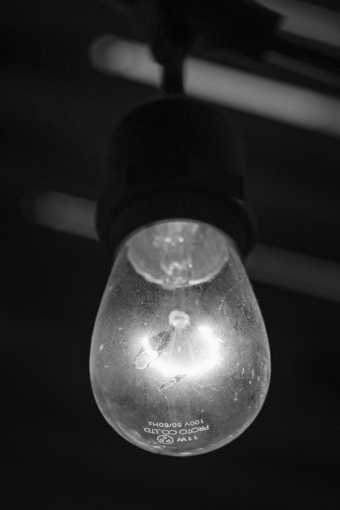 0-0-fb-電球-J71A1286-2